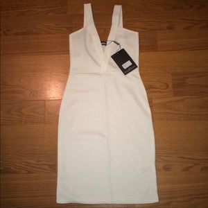NWT MISGUIDED WOMANS white fitted dress SZ.2